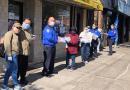 En Nueva York, Mujeres Migrantes Regalan Cubrebocas a Policías