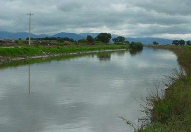 Estado de México / A Punto de Desbordarse el Río Lerma por Lluvias